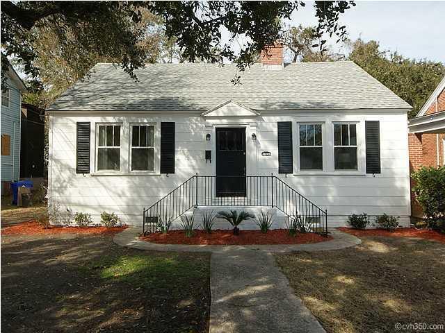 2306 Sunnyside Avenue, Charleston, SC 29403 (#17031421) :: The Cassina Group