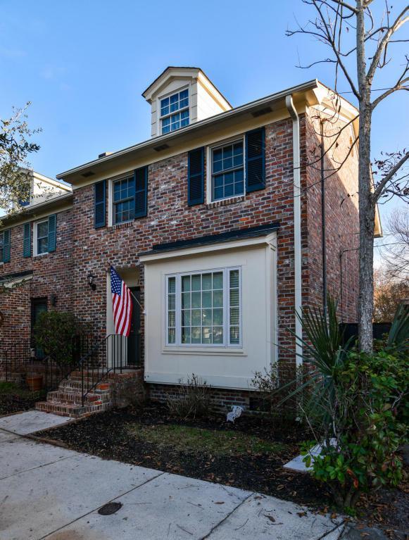131 Beaufain Street, Charleston, SC 29401 (#18000965) :: The Cassina Group