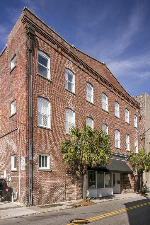 4 Beaufain Street #308, Charleston, SC 29401 (#18004746) :: The Cassina Group