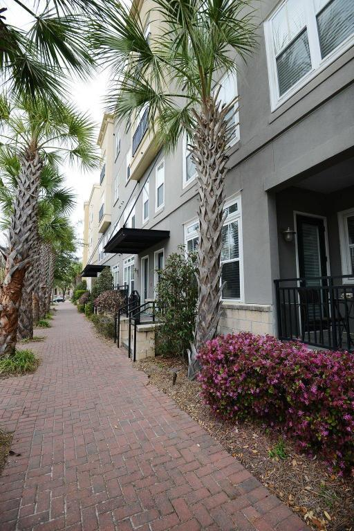 200 River Landing Drive B406, Charleston, SC 29492 (#18006711) :: The Cassina Group