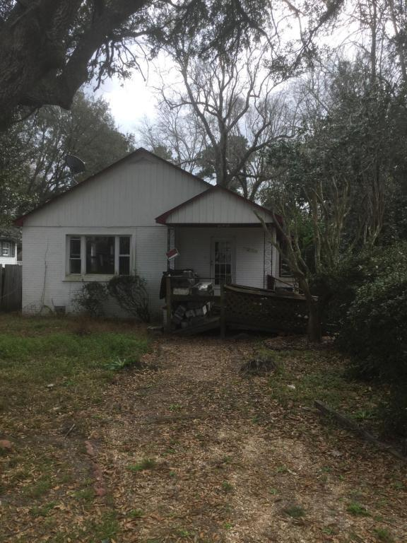 1211 Chesterfield Road, North Charleston, SC 29405 (#18011482) :: The Cassina Group