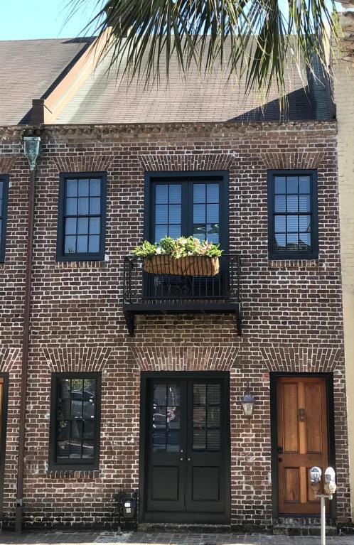 9 Cordes Street, Charleston, SC 29401 (#18012983) :: The Cassina Group
