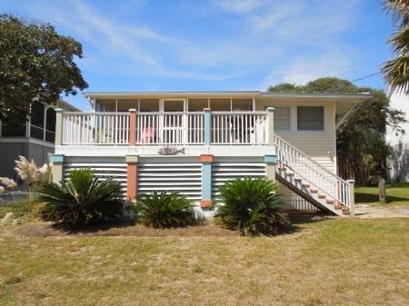 316 W Ashley Avenue, Folly Beach, SC 29439 (#18017058) :: The Cassina Group