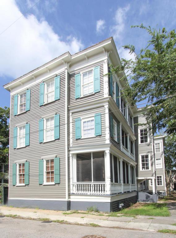 20 Limehouse Street, Charleston, SC 29401 (#18020939) :: The Cassina Group