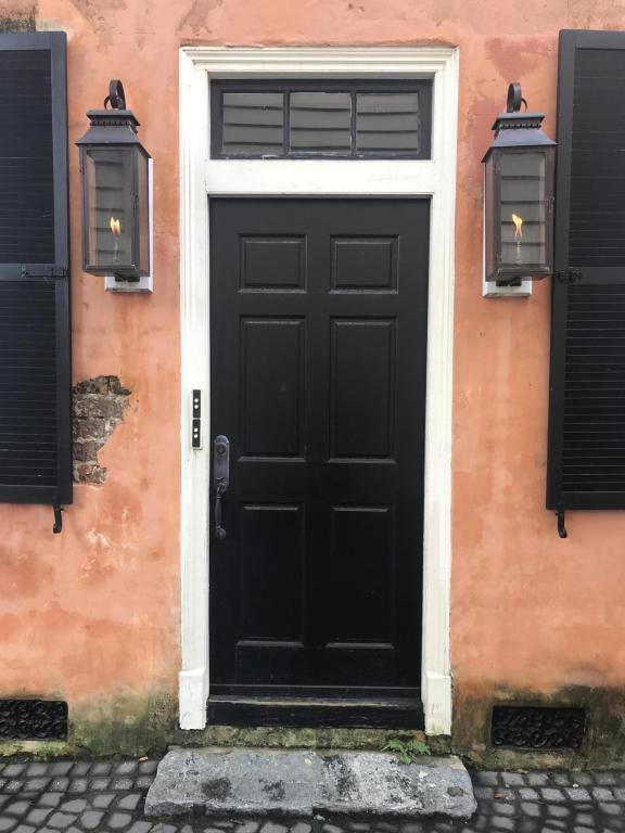 11 West Street B, Charleston, SC 29401 (#18022118) :: The Cassina Group