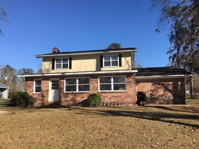 1318 Lesesne Drive, Manning, SC 29102 (#18022248) :: The Cassina Group