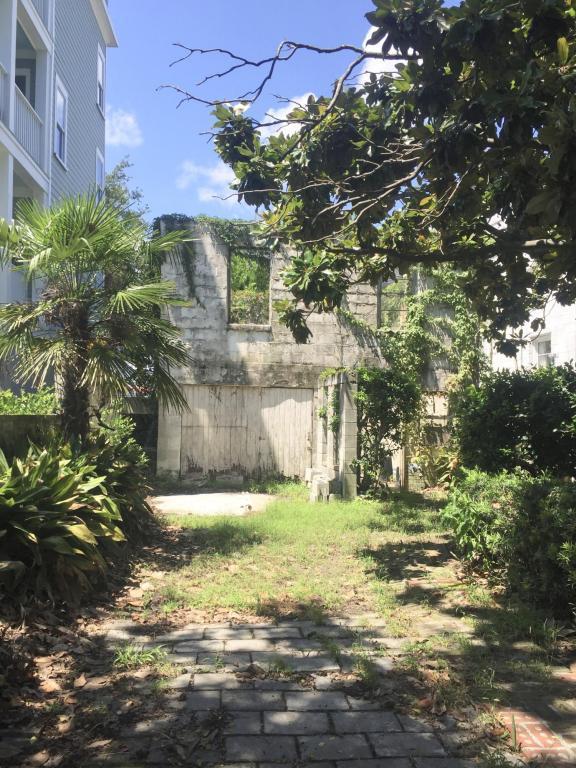 398 Sumter Street, Charleston, SC 29403 (#18022681) :: The Cassina Group