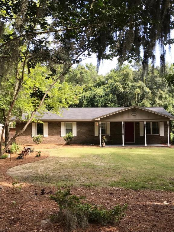 2467 Leadenwah Drive, Wadmalaw Island, SC 29487 (#18023194) :: The Cassina Group