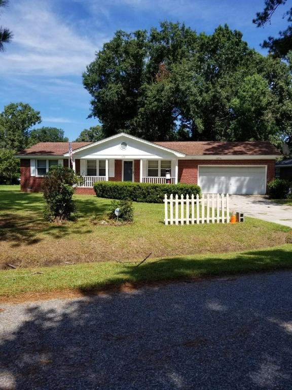 2058 Bishop Drive, Charleston, SC 29414 (#18023213) :: The Cassina Group