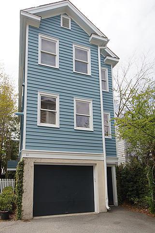 11 Kirkland Lane, Charleston, SC 29401 (#19000211) :: The Cassina Group