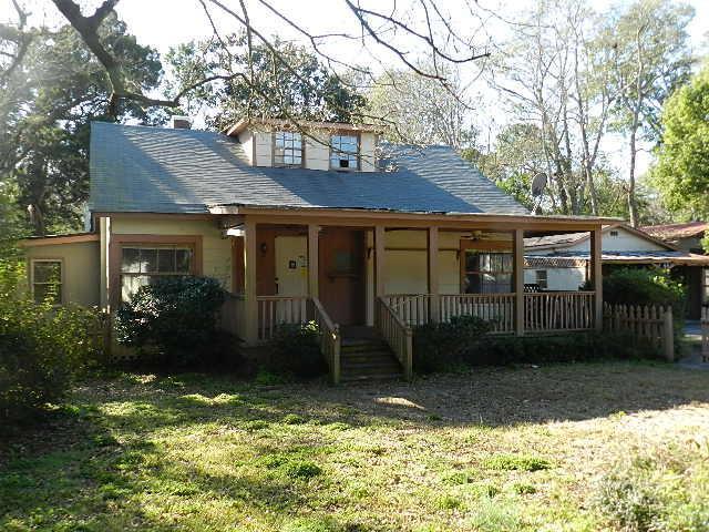425 Riverland Drive, Charleston, SC 29412 (#19002916) :: The Cassina Group