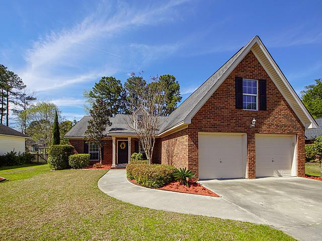 125 Royal Troon Court, Summerville, SC 29483 (#19008190) :: The Cassina Group