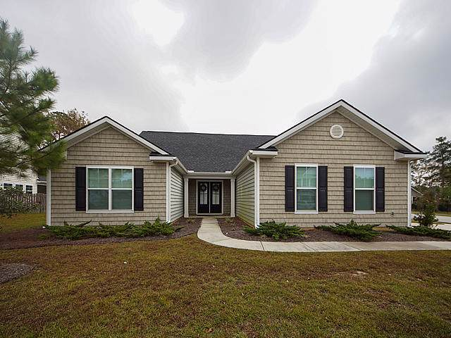 2400 Hummingbird Lane, Summerville, SC 29483 (#19032047) :: The Cassina Group