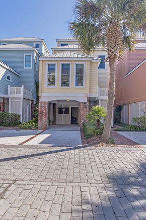 114 Grand Pavilion Boulevard, Isle Of Palms, SC 29451 (#19032858) :: The Cassina Group