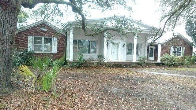 504 Thompson Street, Walterboro, SC 29488 (#20005356) :: The Cassina Group