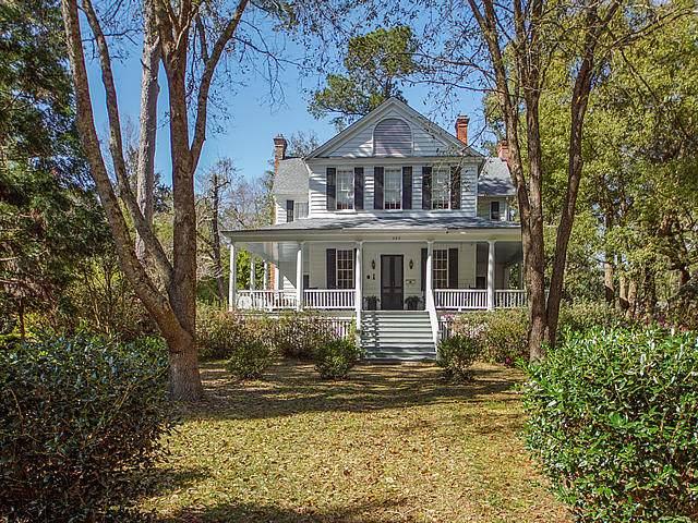 420 W Carolina Avenue, Summerville, SC 29483 (#20006712) :: The Cassina Group