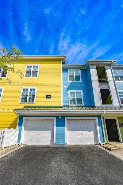 2100 Belle Isle Avenue #301, Mount Pleasant, SC 29464 (#20008881) :: The Cassina Group