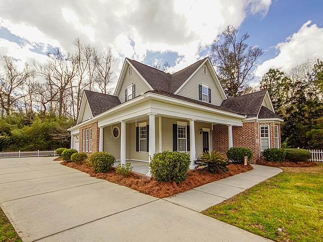 121 Sago Palm Court, Summerville, SC 29483 (#20018641) :: The Gregg Team