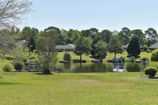 43 N Lake Circle, Manning, SC 29102 (#20024048) :: The Cassina Group