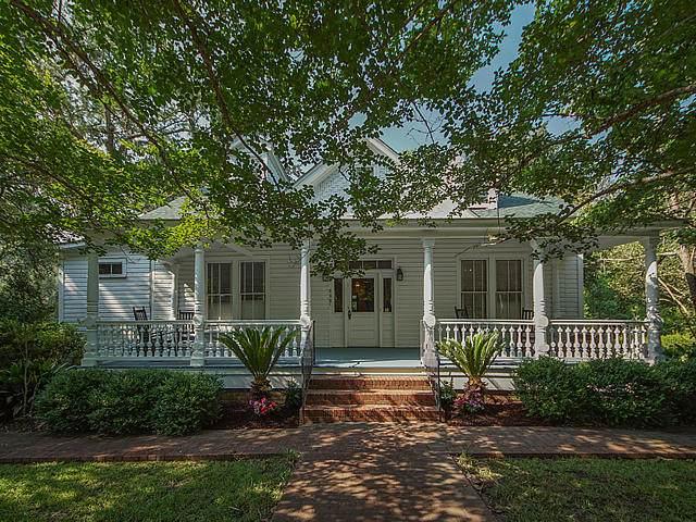 518 W 2nd S Street, Summerville, SC 29483 (#21011861) :: Flanagan Home Team