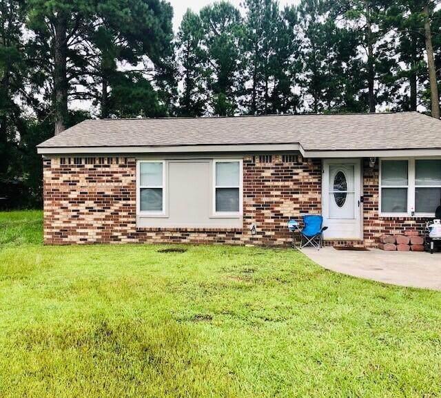 132 Pine Grove Drive, North Charleston, SC 29420 (#21021324) :: Flanagan Home Team