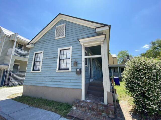 9 Kennedy Court, Charleston, SC 29403 (#21025480) :: Hergenrother Realty Group