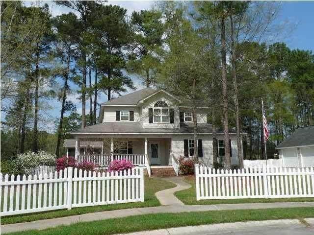 204 Castle Harbor Drive, Summerville, SC 29483 (#21027589) :: Flanagan Home Team