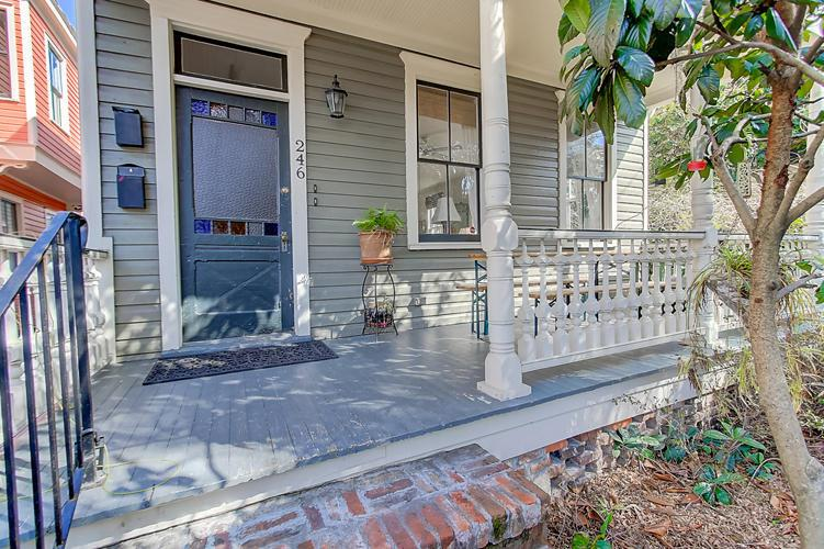 246 Ashley Avenue A, Charleston, SC 29403 (#17003720) :: The Cassina Group