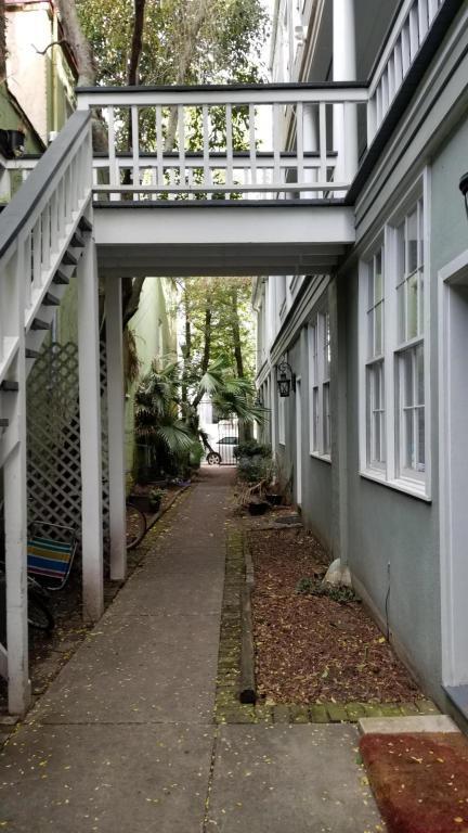 75 Society Street #9, Charleston, SC 29401 (#18005526) :: The Cassina Group