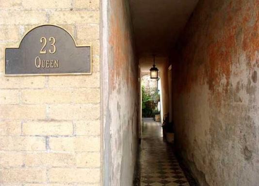23 Queen Street E, Charleston, SC 29401 (#18008117) :: The Cassina Group
