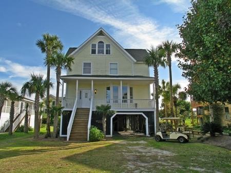 704 Carolina Boulevard, Isle Of Palms, SC 29451 (#18017187) :: The Cassina Group