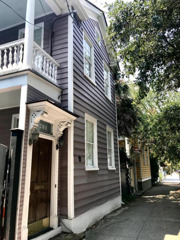 201 Rutledge Avenue, Charleston, SC 29403 (#18022861) :: The Cassina Group