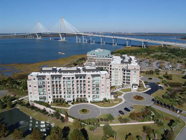 236 S Plaza Court #213, Mount Pleasant, SC 29464 (#20022859) :: The Cassina Group