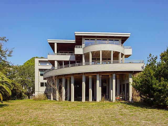 1655 Atlantic Avenue, Sullivans Island, SC 29482 (#21003967) :: The Cassina Group