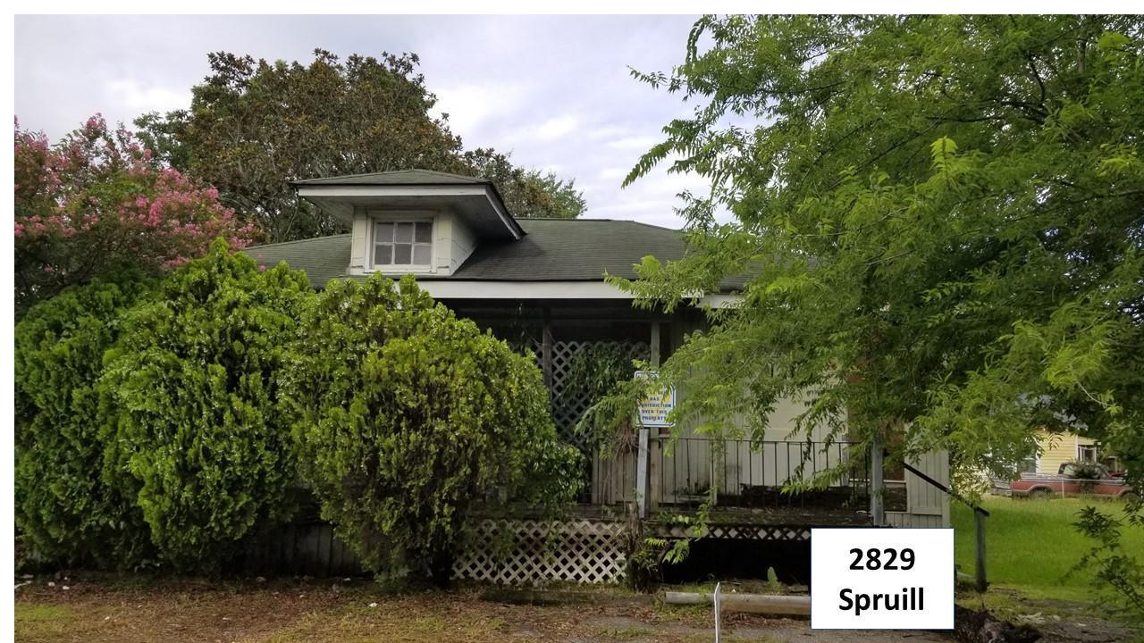 2829 Spruill Avenue - Photo 1