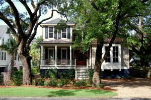 405 Royall Avenue, Mount Pleasant, SC 29464 (#17009263) :: The Cassina Group