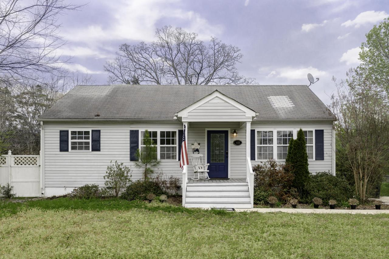 403 Forrest Rd - Photo 1