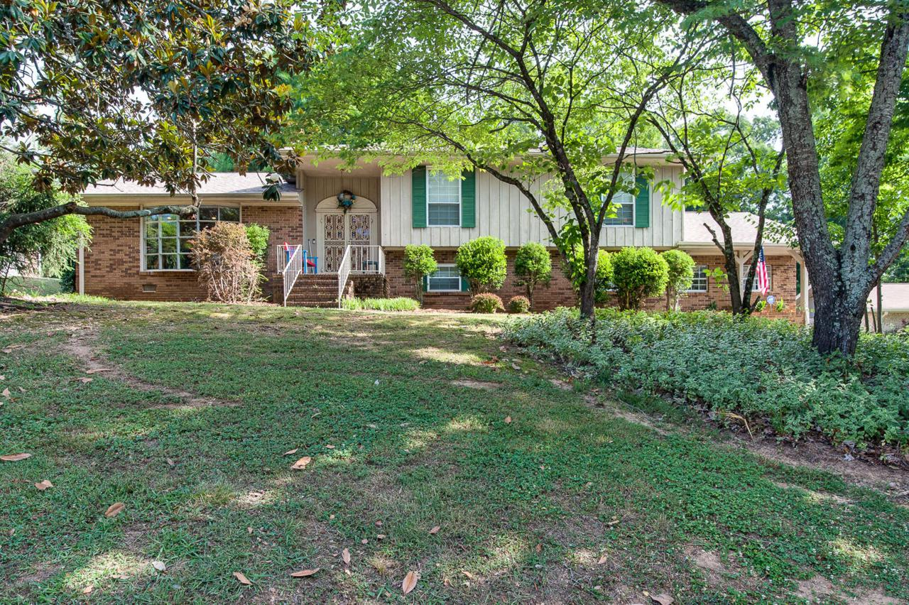 8614 Clearwood Rd - Photo 1