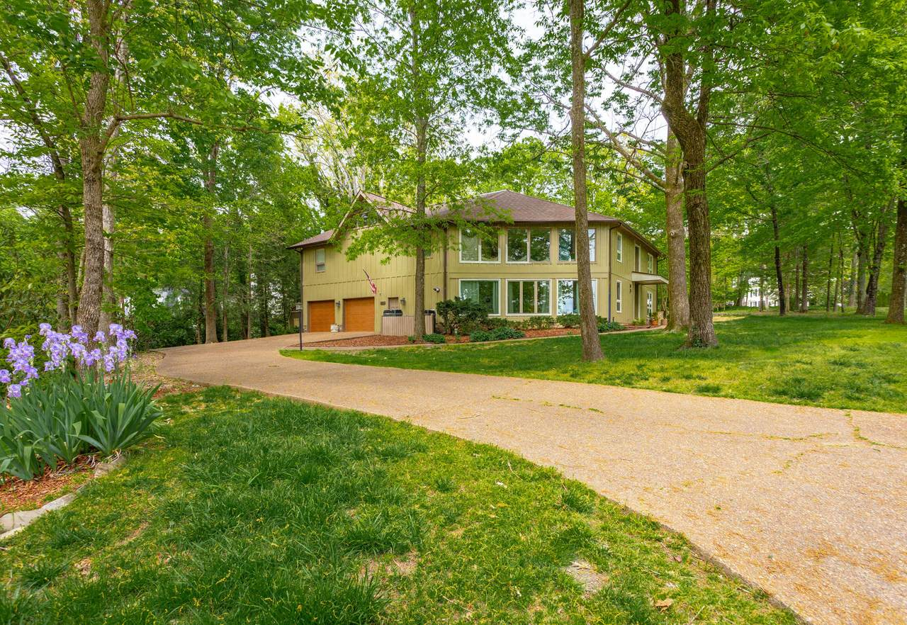 83 Carriage Hill - Photo 1