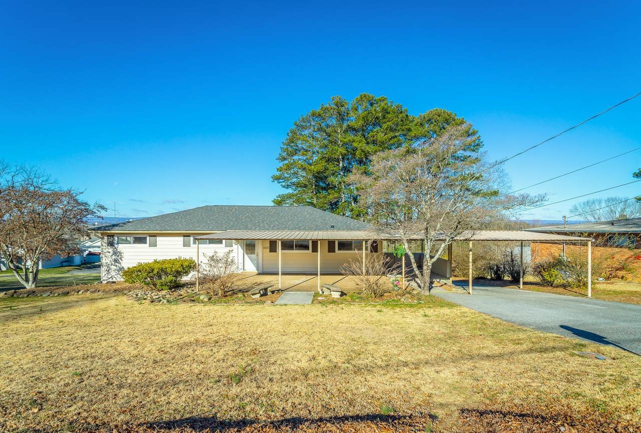605 Layfield Rd - Photo 1