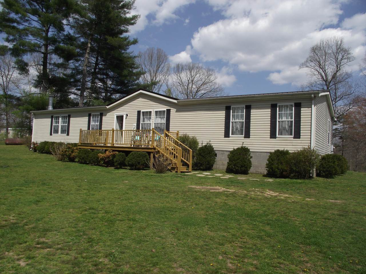 324 Meeks Rd - Photo 1