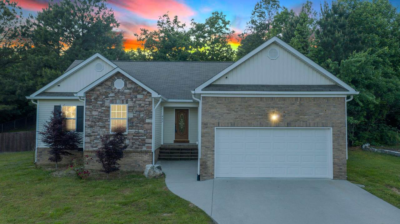 427 Farmway Dr - Photo 1