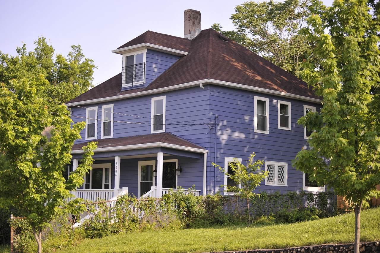 2004 Vine St - Photo 1