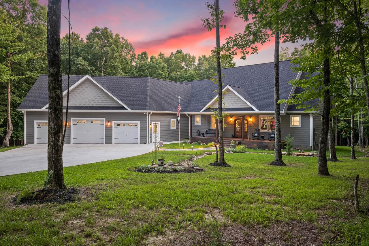 1832 Bluff View Dr - Photo 1