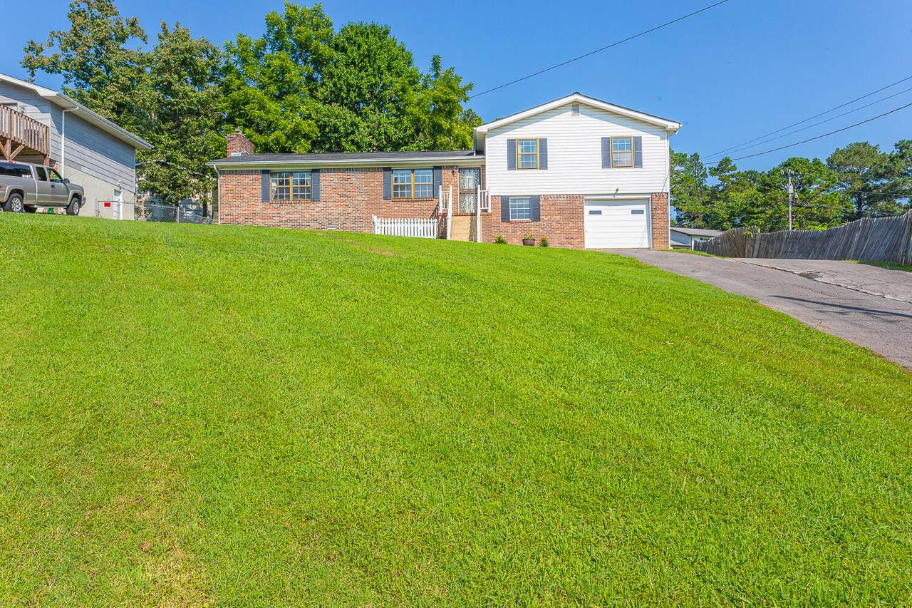 481 Marion Dr - Photo 1