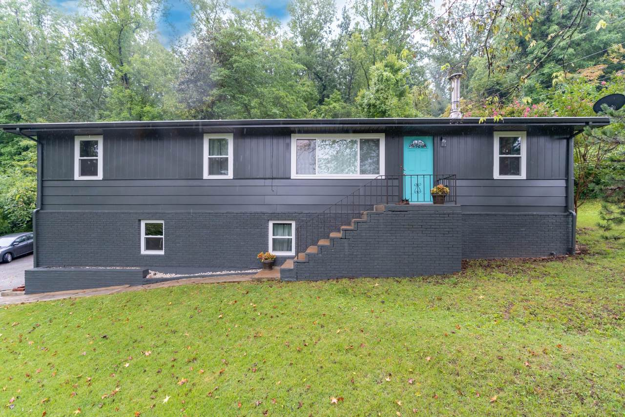 404 Valley View Ave - Photo 1