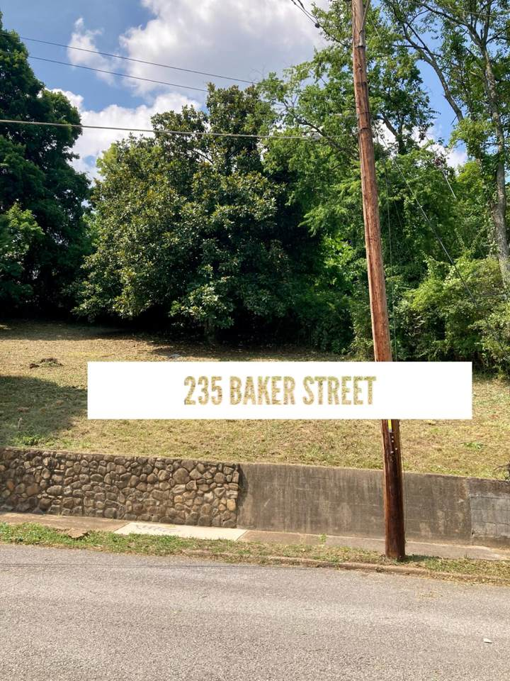 235 Baker St - Photo 1