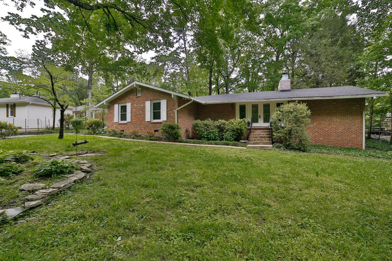 940 Whippoorwill Dr - Photo 1