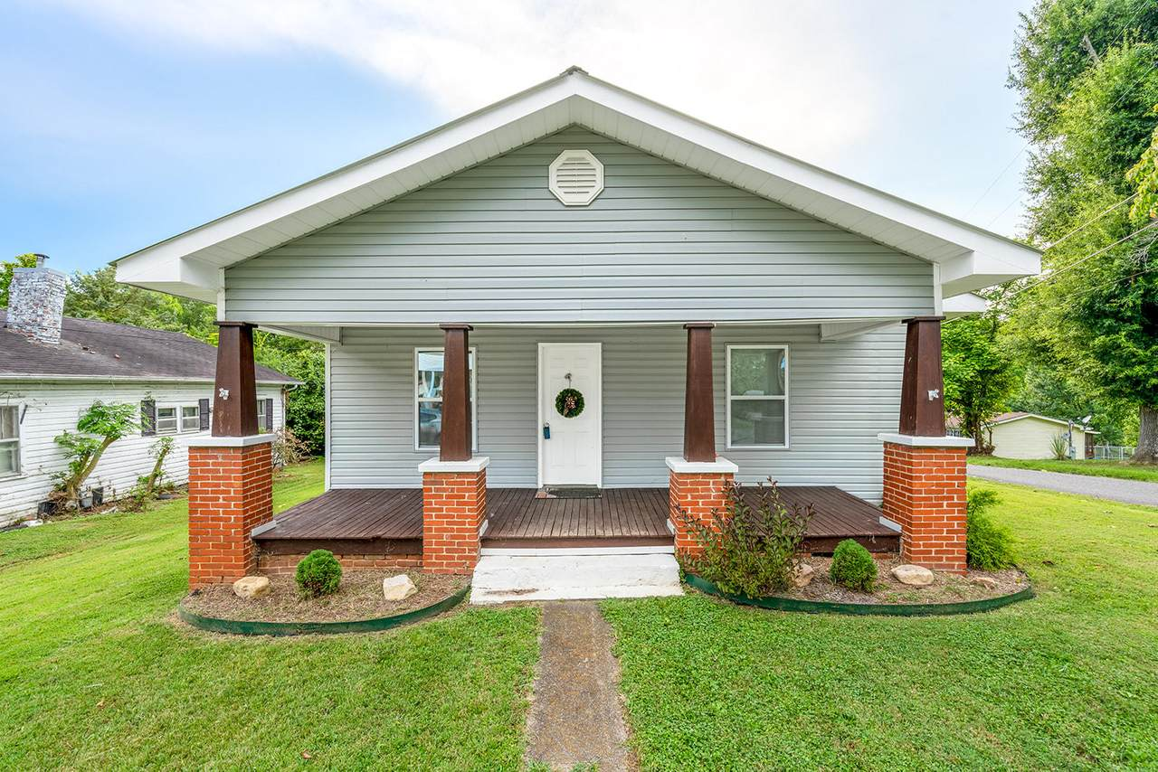 300 Alabama Ave - Photo 1