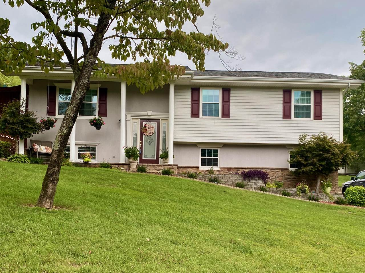 2511 Hunt Heights Dr - Photo 1